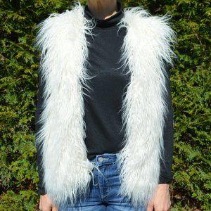 White Gorgeous Fake Fur Vest Size 6